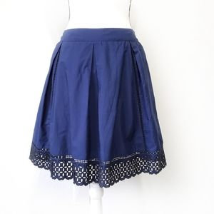 Vineyard Vines skirt blue with black eyelets 8